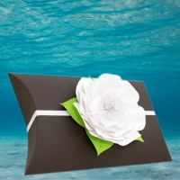 Black Voyager Urn with White Memorial Petal