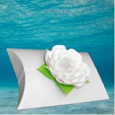 White Voyager Urn with White Memorial Petal